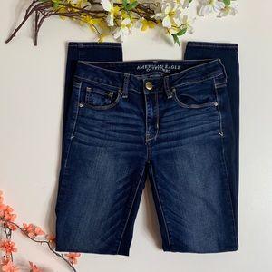 American Eagle Super Stretch Jeans Size 6